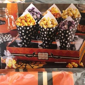 Pier 1 Party Supplies - Halloween Paper Cone Set set of 2 Holds 12